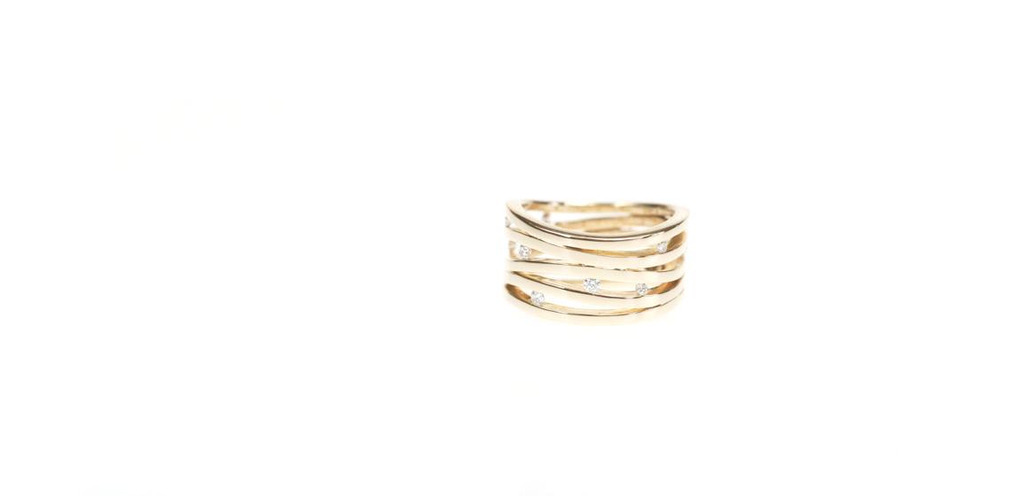 geelgouden-ring-met-diamant.jpg