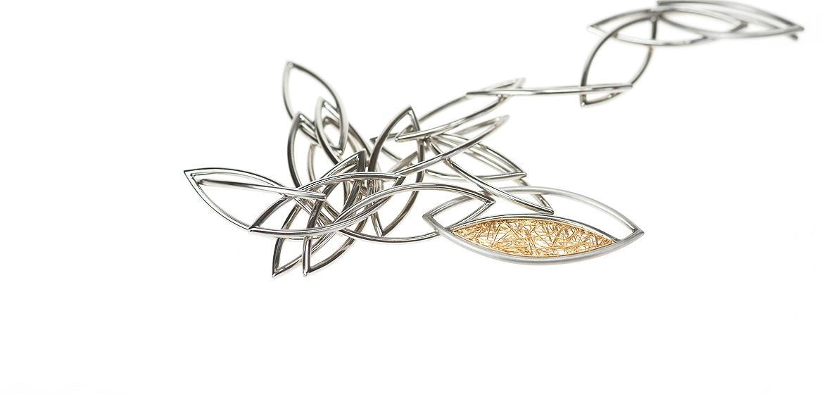 collier-edelstaal-met-18-krt-goud.jpg